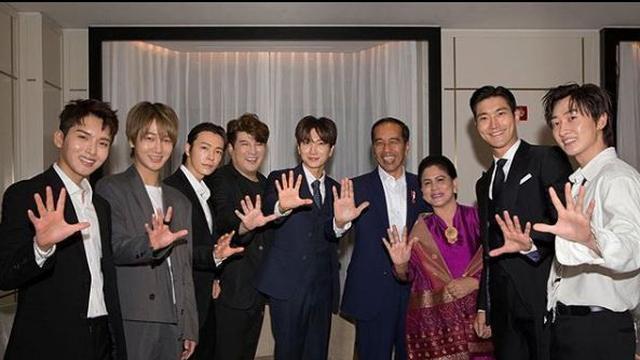 Jokowi Goyang Dayung Bersama Super Junior