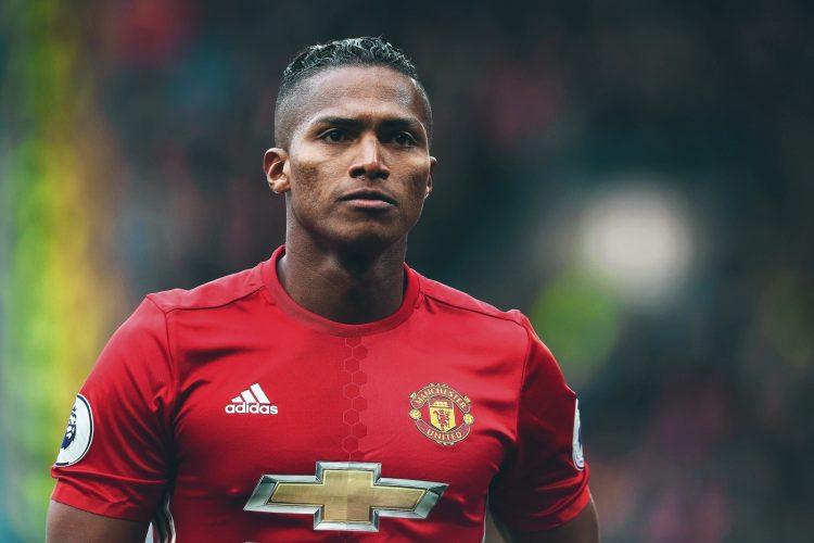 Ole Gunnar Solskjaer Angkat Bicara Alasa Utama Antonio Valencia Belum Tampil di United